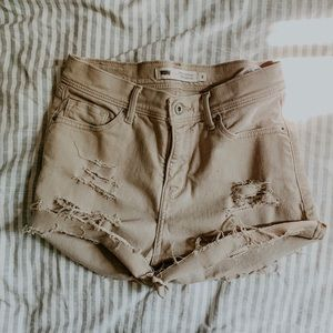 LEVIS • high rise distressed cut off shorts